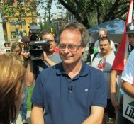 Marc Emery returns to Vancouver and urges supporters to legalize marijuana